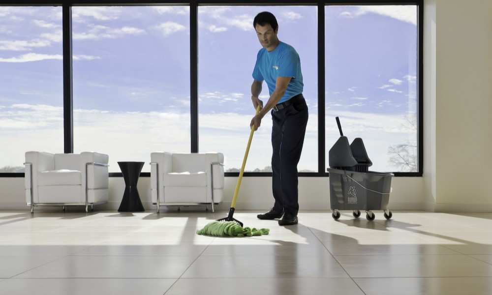 5 Reasons to Hire A Commercial Cleaning Service to Clean Your Office